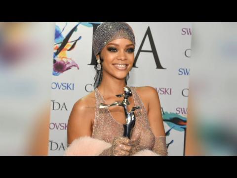 Sexy Fashions And Big Stars At 2014 CFDA Awards