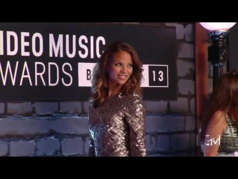 MTV Music Awards, Sexy Fashions, Superstars And Disgusting Behavior