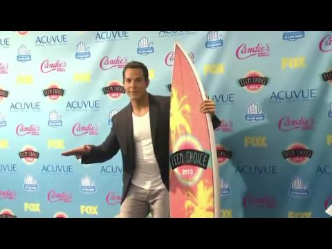 Teen Choice Awards Was A Mixture Of Celebs, Fashion, Sexy and Emotions