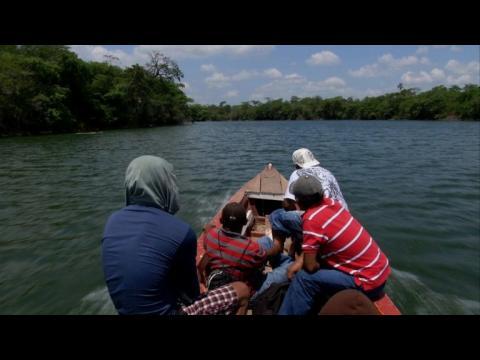 mexique 140 migrants entass s dans un camion sur orange vid os. Black Bedroom Furniture Sets. Home Design Ideas