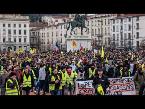 'Yellow Vest' Protestors Continue Actions In Paris For 13th Weekend