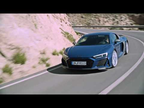 Audi R8 Coupé V10 performance quattro Driving Video