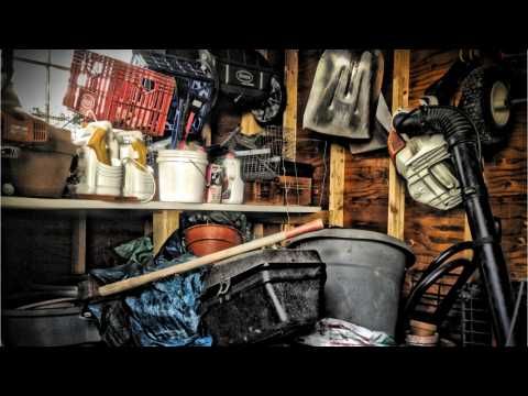 These Are The Early Warning Signs Of Hoarding