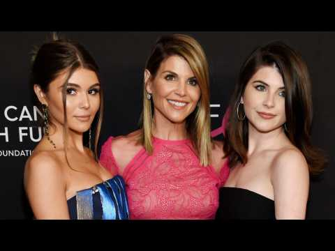Lori Loughlin To Be Released On $1 Million Bail For College Scandal