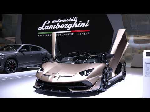 Lamborghini Aventador SVJ Roadster Interiors Design
