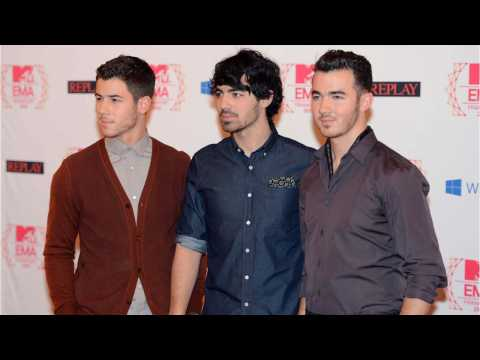 Jonas Brothers Wore Matching Rolexes On 'The Late Late Show'