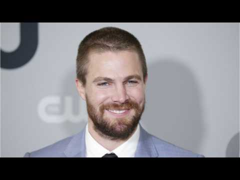 Stephen Amell Uses Valentine's Day To Celebrate Friendship With Flash Star Grant Gustin