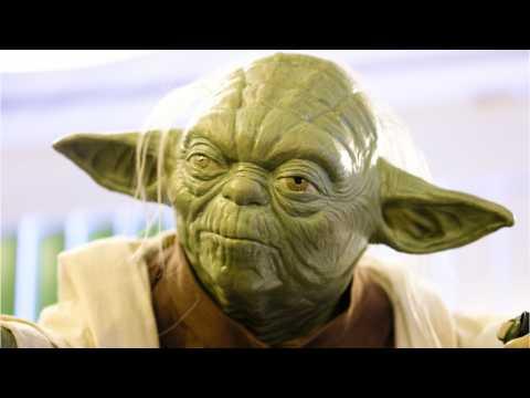 'SNL' Features Disturbing 'Star Wars' Cake Battle