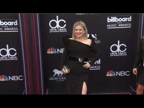 Kelly Clarkson Sing 'Shallow' Form 'A Star is Born'