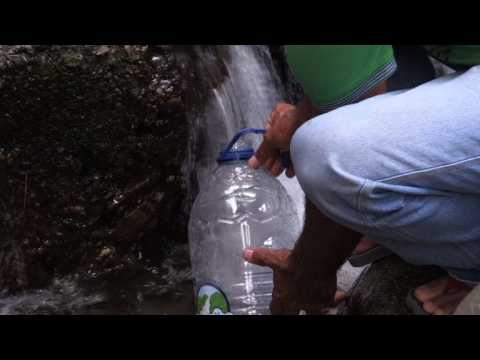 Venezuelans look for water amid new blackout