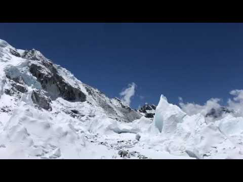 11th Death This Year On Mount Everest