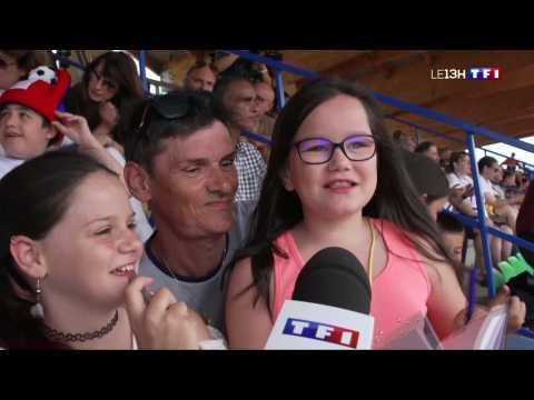 Football : quand les Bleues savourent l'instant avec les supporters