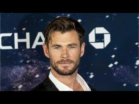 Chris Hemsworth Shares Photos From Men in Black: International Premiere