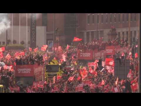 Liverpool fans celebrate Champions League homecoming party