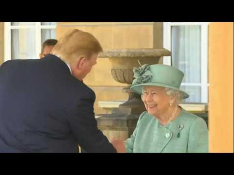 Trump UK visit: Trump lands at Buckingham Palace for welcome ceremony hosted by Queen