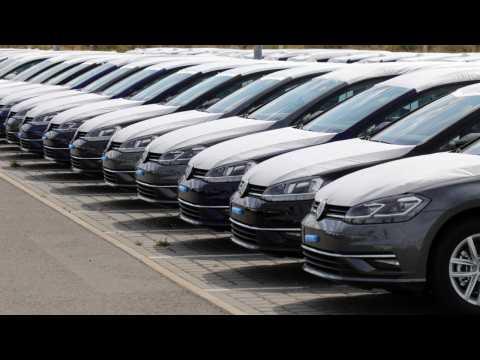Euro Stocks Up On Good Car News