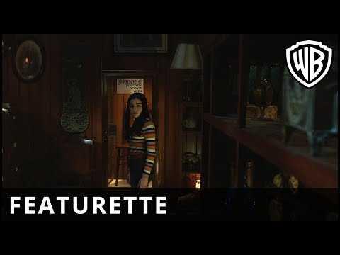 Annabelle Comes Home - Growing Up Warren - Official Warner Bros. UK