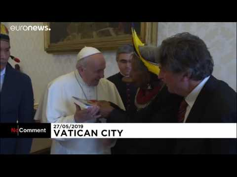Pope Francis meets indigenous Amazon chief Raoni