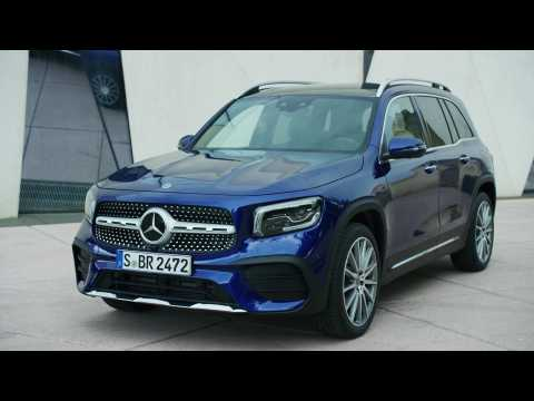 The new Mercedes-Benz GLB Design in Blue