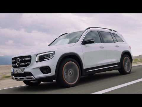 The new Mercedes-Benz GLB in White Driving Video