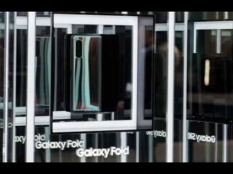 Galaxy Fold pre-orders cancelled by carrier