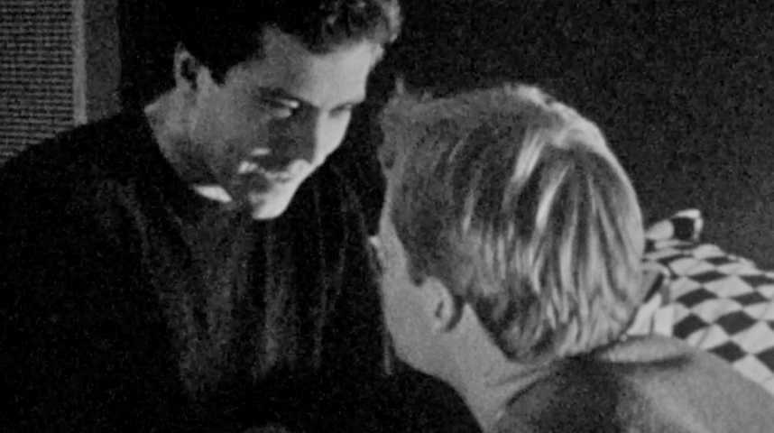 Together Alone - Teaser 2 - VO - (1991)