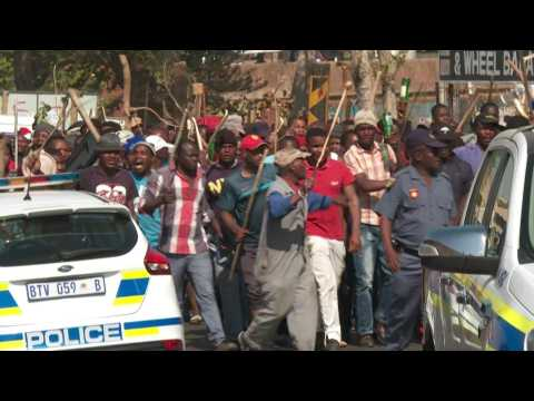 S. Africa xenophobic attacks: police disperse protests in Johannesburg