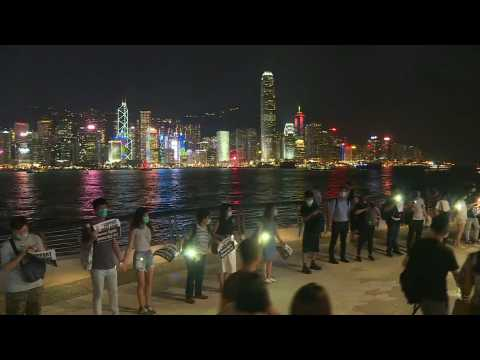 Hong Kong protesters form human chain in creative show of dissent