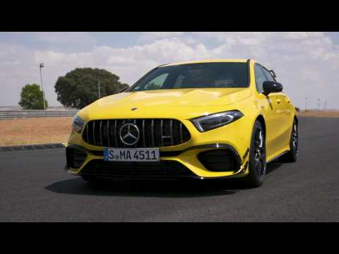 Mercedes-AMG A 45 S 4MATIC+ Design in Sun yellow