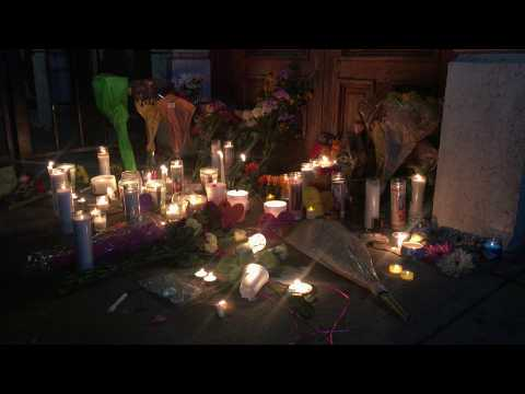 People hold candlelight vigil for Dayton shooting victims