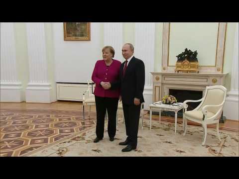 Merkel meets Putin in Moscow for bilateral talks