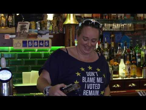 Brexit: Europe on the menu at British pub in Paris