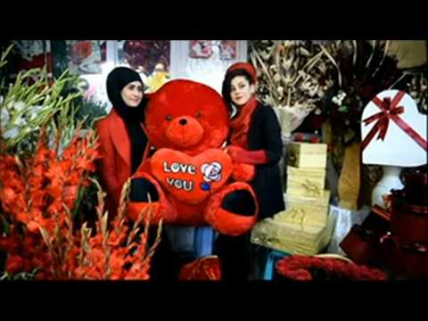 Afghans celebrate Valentine's Day in Kabul