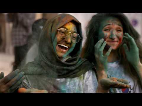 Hindu spring festival of colours paints port of Karachi