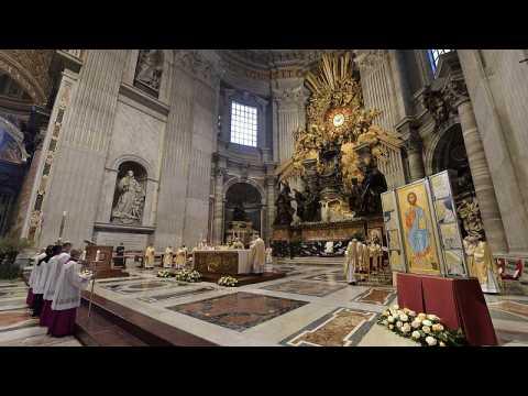 Pope Francis celebrates subdued Easter Sunday Mass