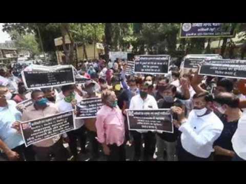Hundreds in Mumbai protest against Covid-19 lockdown