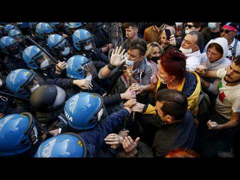 Italian business owners protests over virus measures