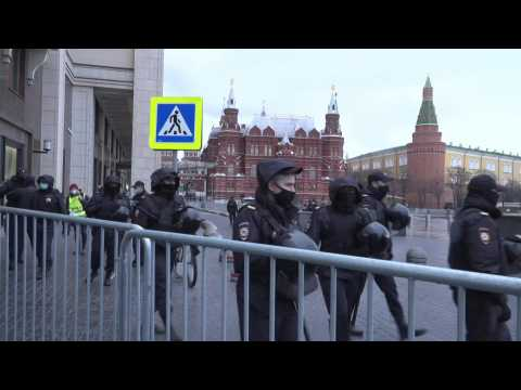 Moscow's Manezhnaya Square cordoned off ahead of pro-Navalny rally