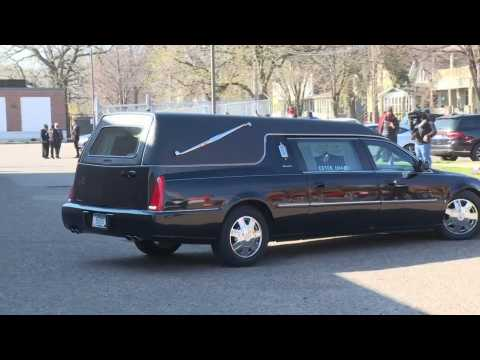 Casket of Daunte Wright arrives at Minneapolis church