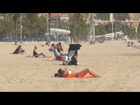 Spain tightens coronavirus restrictions, makes face masks mandatory on beaches