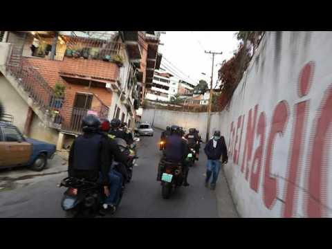 Police on the hunt for violators of anti-covid measures in Venezuela slum