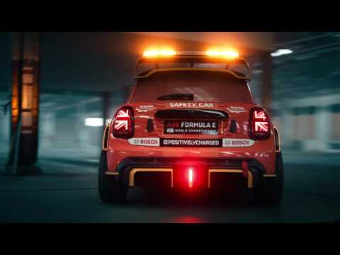 MINI Electric Pacesetter – Safetycar of the Formula E Trailer