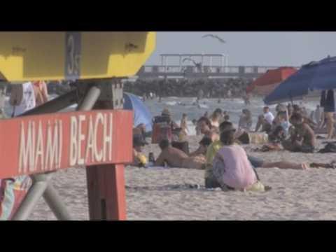 Crowds enjoy Spring break in Miami Beach amid pandemic
