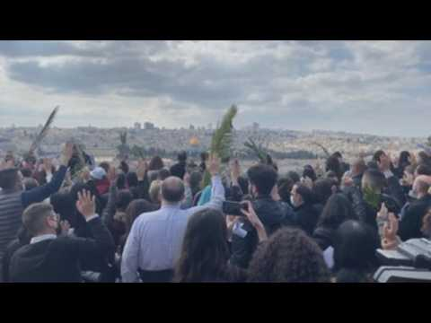 Hundreds celebrate Palm Sunday in Jerusalem