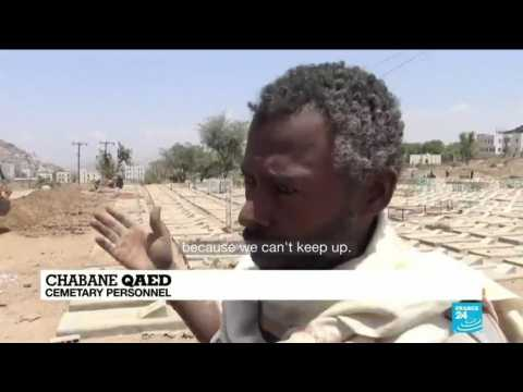 Yemen gravediggers, bulldozer join forces against Covid-19