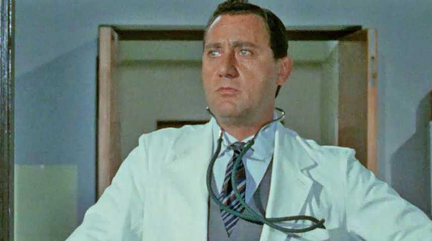 Il Medico Della Mutua - Bande annonce 1 - VO - (1968)