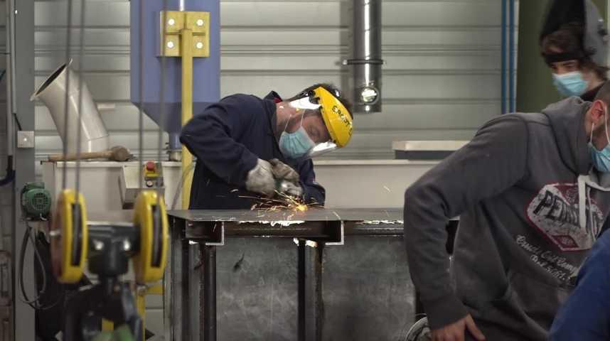Thumbnail Encore 390 postes à pourvoir en apprentissage industriel en Bretagne