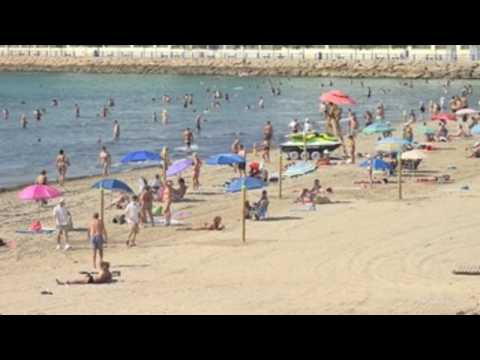 Alicante's Postiguet beach reopens after cleaning works