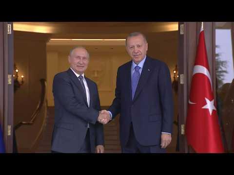 Turkish President Erdogan welcomes Putin for Syria summit