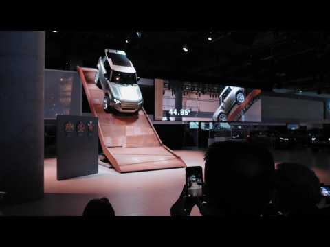IAA 2019 Jaguar Land Rover - The new Land Rover Defender